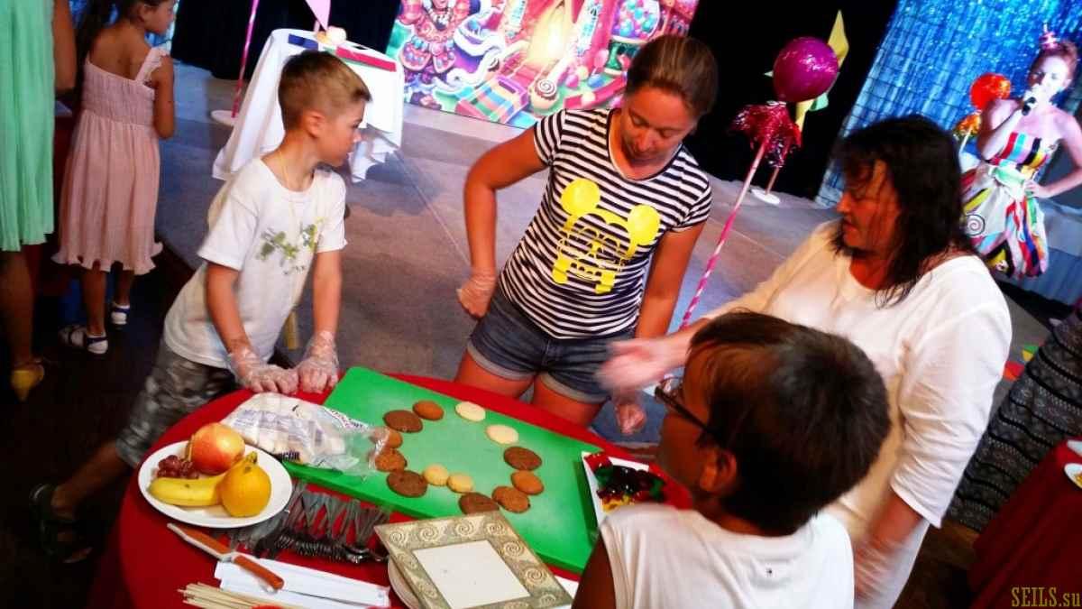 Анимационные игры и шоу для детей и их родителей в отеле PIC Saipan