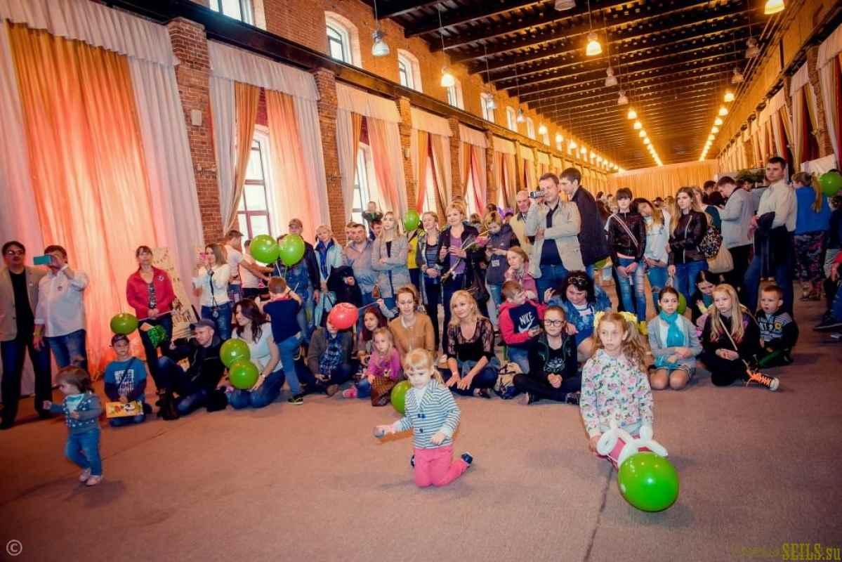 Фотоотчет о ярмарке развлекательных товаров и услуг для детей и подростков SUMMER FUNFAIR
