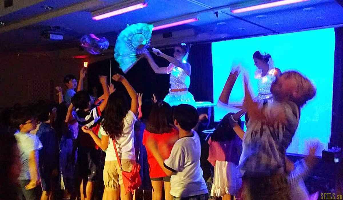 Гастроли шоу Мыльных Пузырей и Световых Эффектов на Гуаме